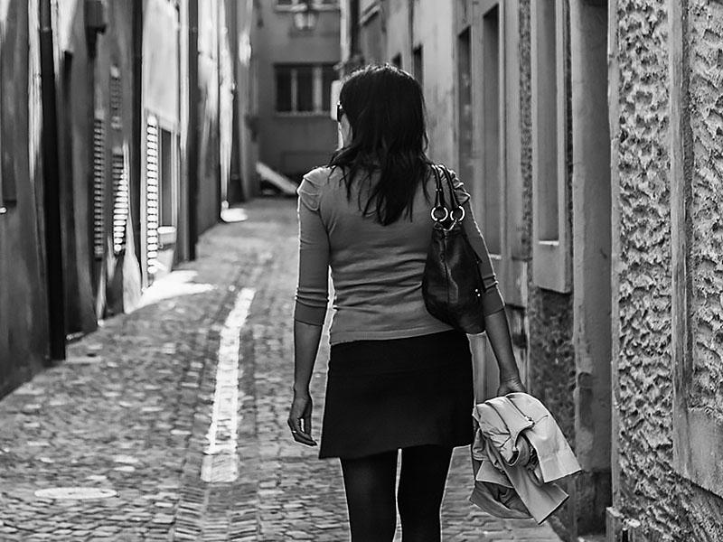 Jak przetrwać na ulicy? – Psychologia napadu i obrony – CZĘŚĆ I